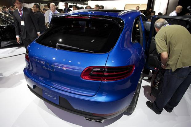 Porsche Macan: LA Auto Show featured image large thumb2