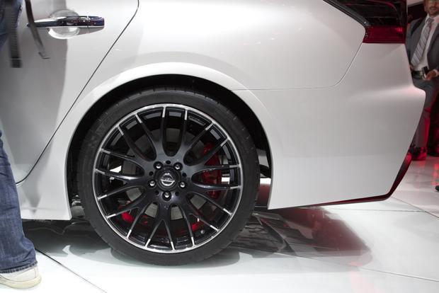 Nissan Sentra NISMO Concept: LA Auto Show featured image large thumb4
