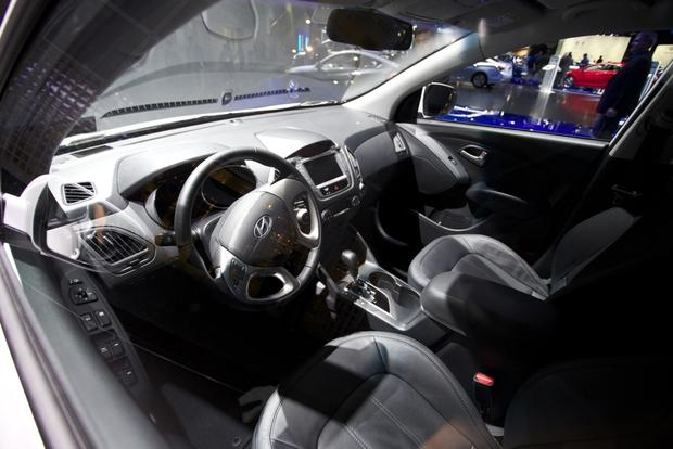 2015 Hyundai Tucson FCV: LA Auto Show featured image large thumb5