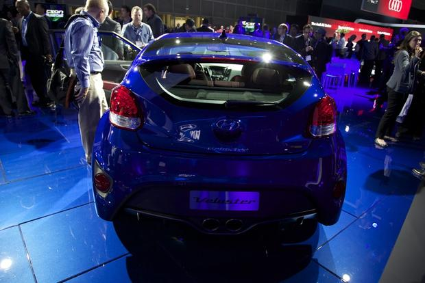 2014 Hyundai Veloster Turbo R-Spec: LA Auto Show featured image large thumb2