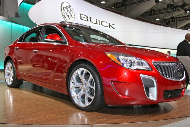 2014 buick regal new york auto show autotrader. Black Bedroom Furniture Sets. Home Design Ideas