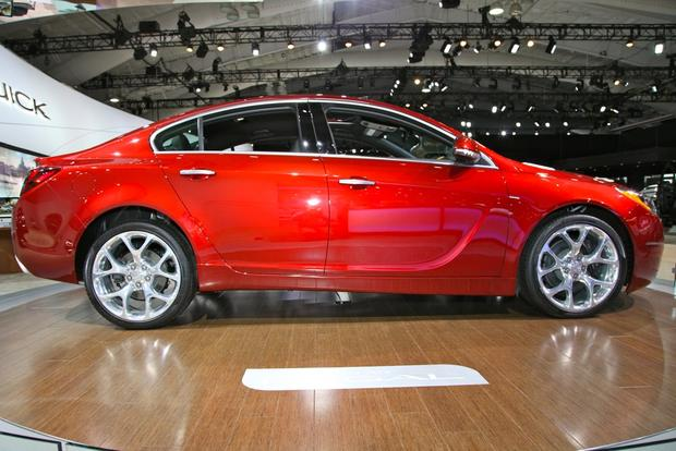 2014 Buick Regal: New York Auto Show featured image large thumb1