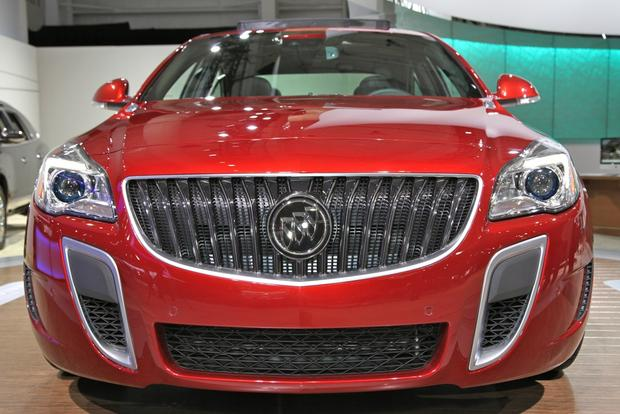 2014 Buick Regal: New York Auto Show featured image large thumb2