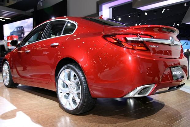 2014 Buick Regal: New York Auto Show featured image large thumb6