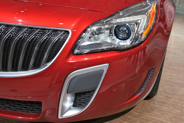 2014 Buick Regal: New York Auto Show featured image large thumb8