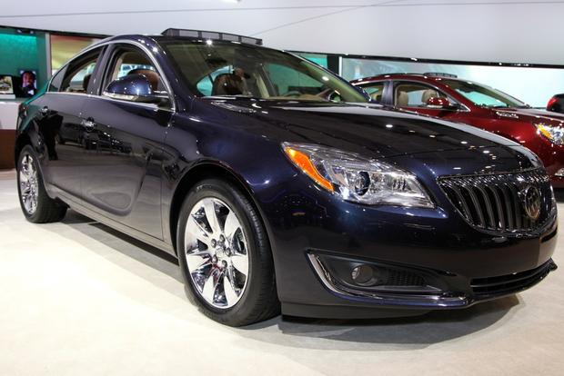 2014 Buick Regal: New York Auto Show featured image large thumb11
