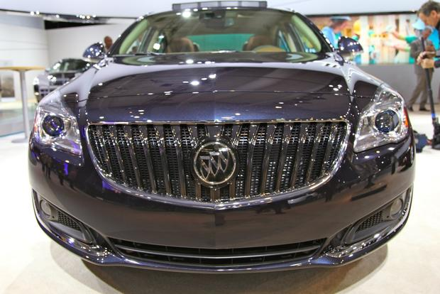 2014 Buick Regal: New York Auto Show featured image large thumb14