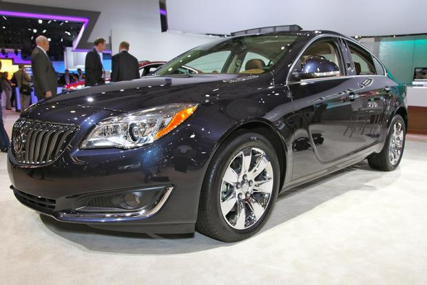 2014 Buick Regal: New York Auto Show featured image large thumb16