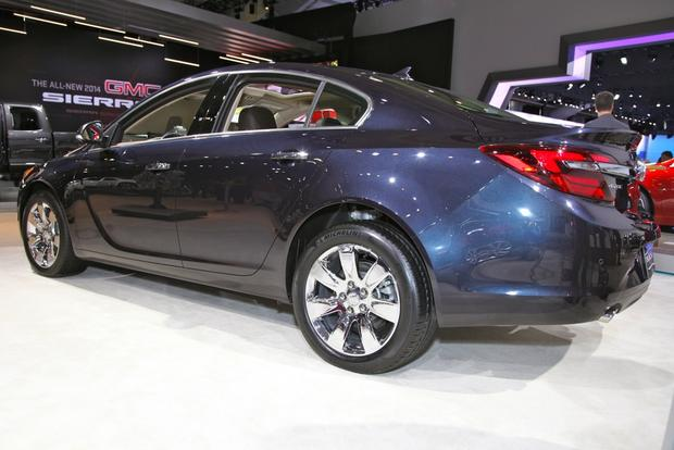 2014 Buick Regal: New York Auto Show featured image large thumb17