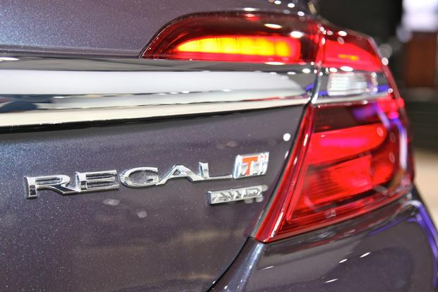 2014 Buick Regal: New York Auto Show featured image large thumb18