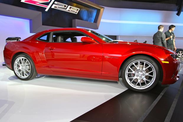 2014 Chevrolet Camaro: New York Auto Show featured image large thumb2