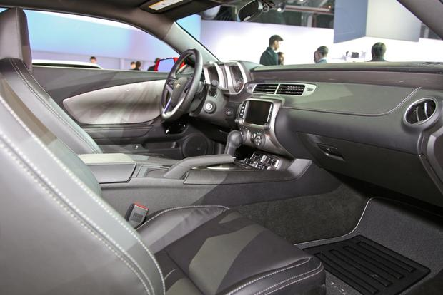 2014 Chevrolet Camaro: New York Auto Show featured image large thumb17
