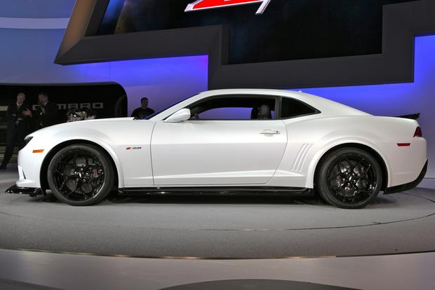2014 Chevrolet Camaro: New York Auto Show featured image large thumb21