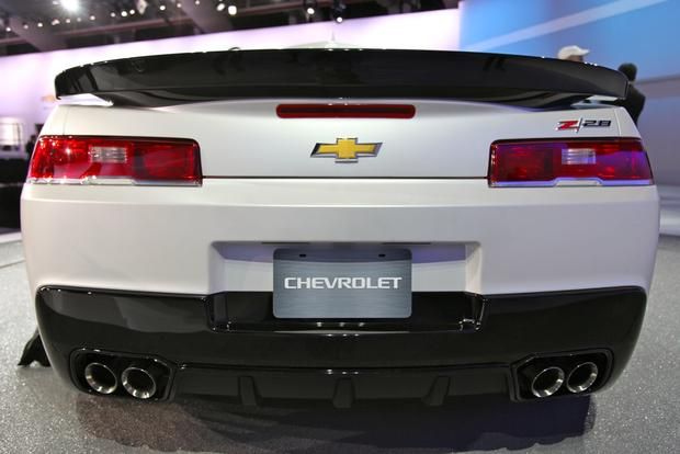 2014 Chevrolet Camaro: New York Auto Show featured image large thumb25
