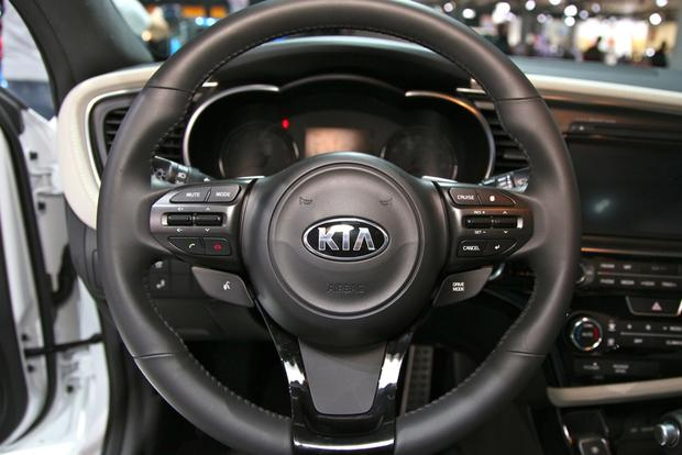 2014 Kia Optima: New York Auto Show featured image large thumb10
