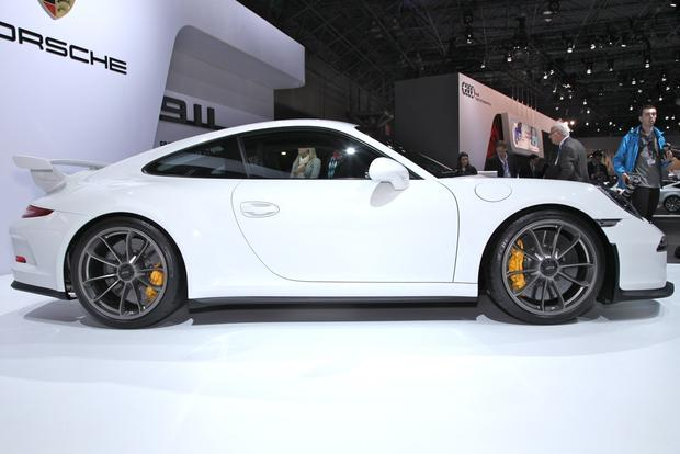 2014 Porsche 911 GT3: New York Auto Show featured image large thumb1