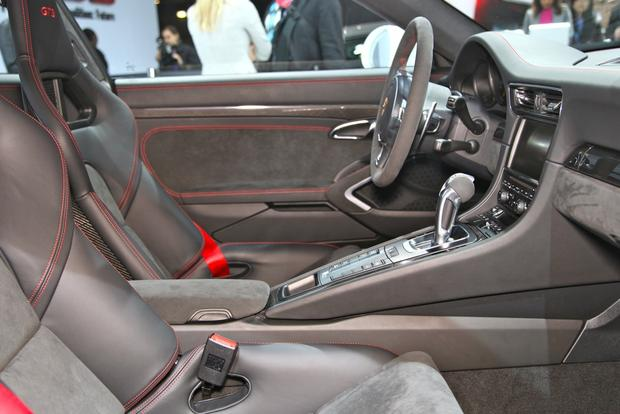 2014 Porsche 911 GT3: New York Auto Show featured image large thumb10