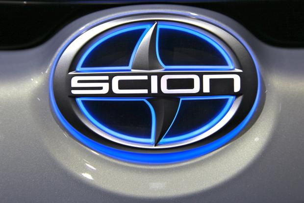 2014 Scion tC: New York Auto Show featured image large thumb13