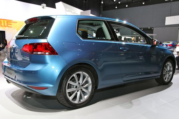 2015 Volkswagen Golf: New York Auto Show featured image large thumb5