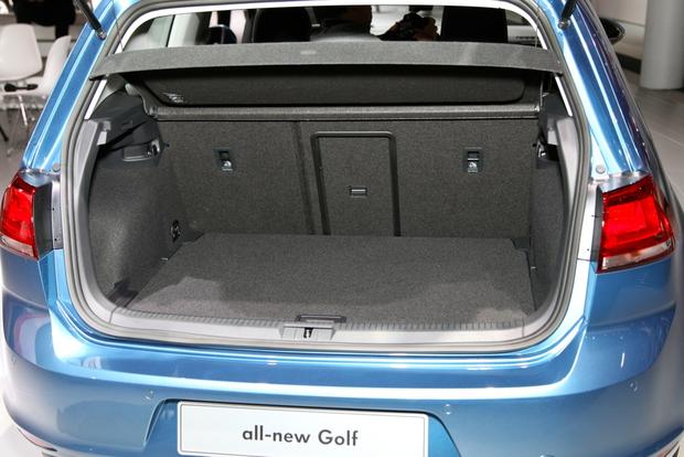 2015 Volkswagen Golf: New York Auto Show featured image large thumb9