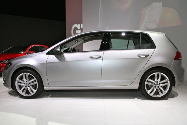 2015 Volkswagen Golf: New York Auto Show featured image large thumb11