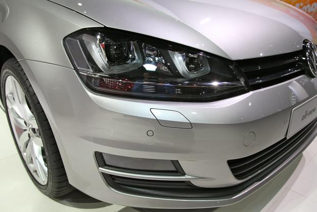 2015 Volkswagen Golf: New York Auto Show featured image large thumb12