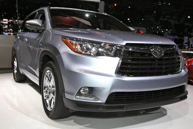 2014 Toyota Highlander: New York Auto Show featured image large thumb2