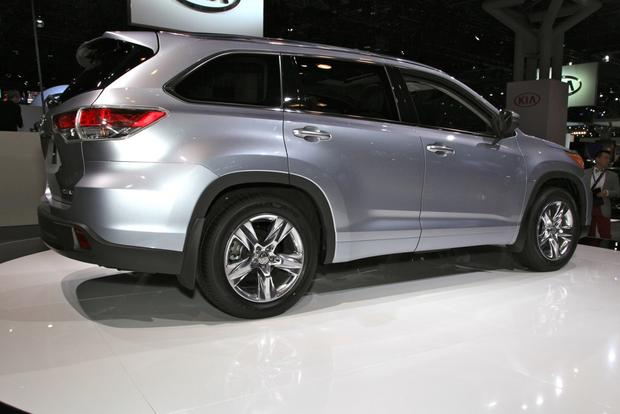 2014 Toyota Highlander: New York Auto Show featured image large thumb5