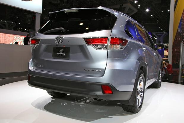 2014 Toyota Highlander: New York Auto Show featured image large thumb6