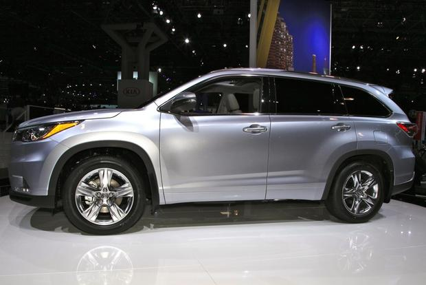2014 Toyota Highlander: New York Auto Show featured image large thumb9