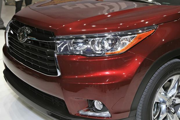 2014 Toyota Highlander: New York Auto Show featured image large thumb13