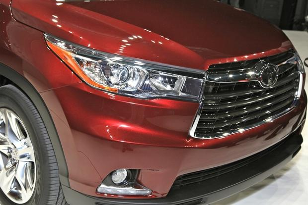 2014 Toyota Highlander: New York Auto Show featured image large thumb14