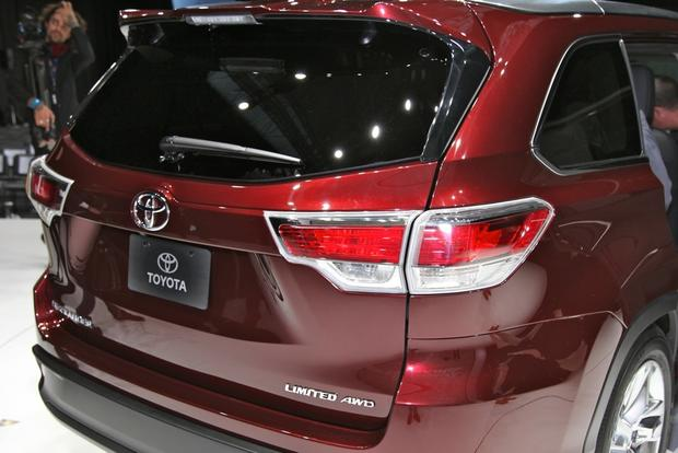 2014 Toyota Highlander: New York Auto Show featured image large thumb17