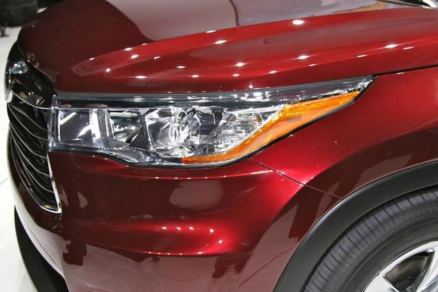 2014 Toyota Highlander: New York Auto Show featured image large thumb19