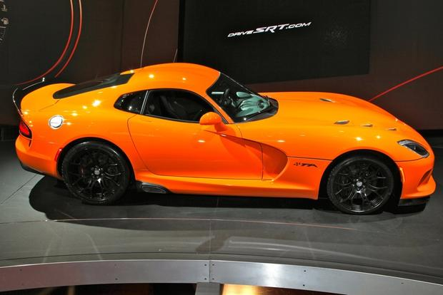 2014 SRT Viper TA: New York Auto Show featured image large thumb3