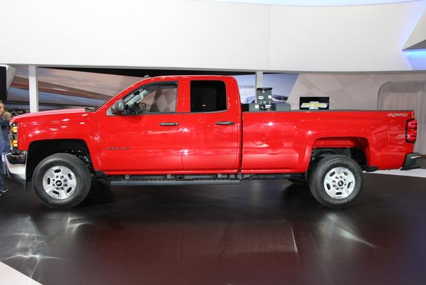 2015 Chevrolet Silverado HD Bi-Fuel: Chicago Auto Show featured image large thumb0