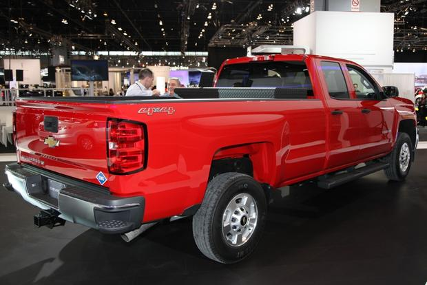 2015 Chevrolet Silverado HD Bi-Fuel: Chicago Auto Show featured image large thumb3