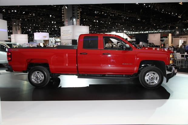 2015 Chevrolet Silverado HD Bi-Fuel: Chicago Auto Show featured image large thumb5