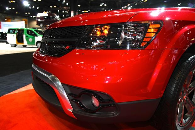 2014 Dodge Journey Crossroad: Chicago Auto Show featured image large thumb2