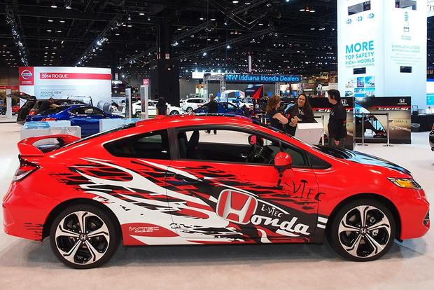 2014 Honda Civic Si Debuts on Xbox: Chicago Auto Show featured image large thumb1