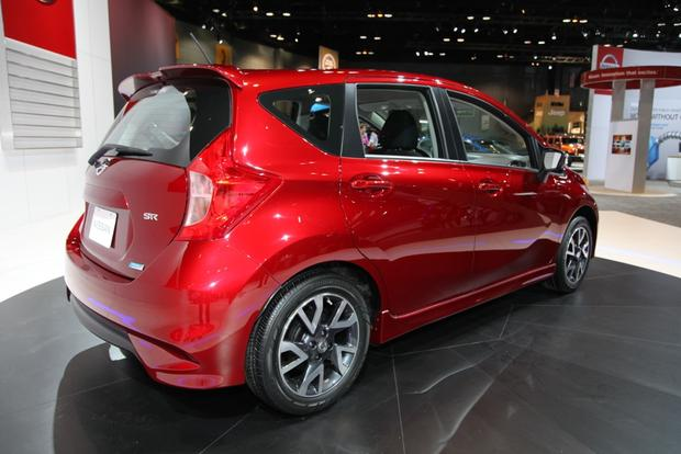 2015 Nissan Versa Note SR: Chicago Auto Show featured image large thumb2