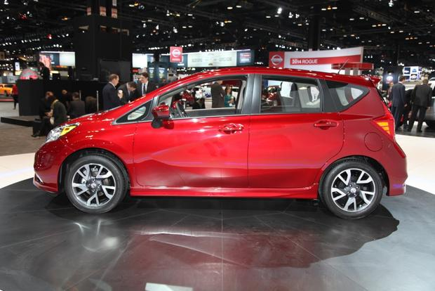2015 Nissan Versa Note SR: Chicago Auto Show featured image large thumb3