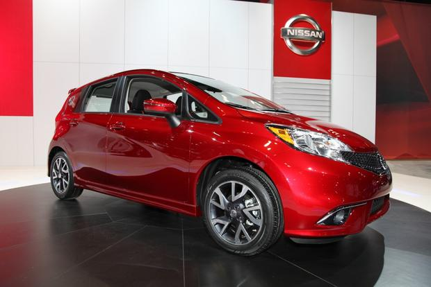 2015 Nissan Versa Note SR: Chicago Auto Show featured image large thumb5