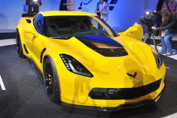 2015 Chevrolet Corvette Z06: Detroit Auto Show featured image large thumb2