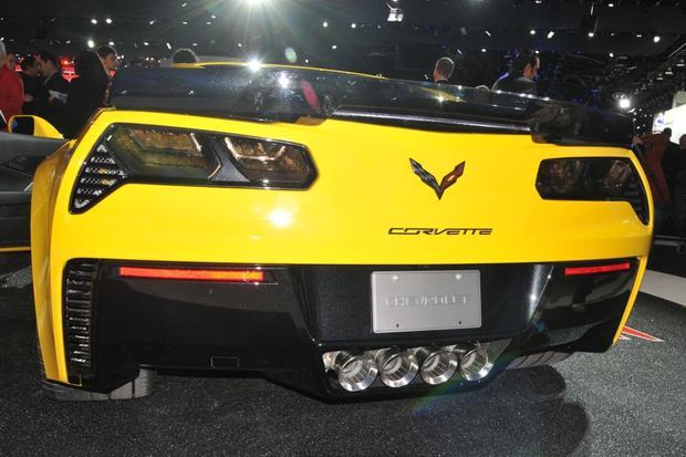 2015 Chevrolet Corvette Z06: Detroit Auto Show featured image large thumb5