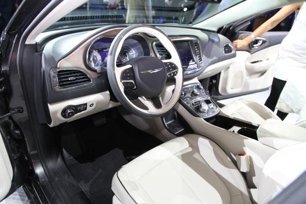 2015 Chrysler 200: Detroit Auto Show featured image large thumb5