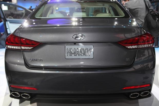2015 Hyundai Genesis: Detroit Auto Show featured image large thumb2