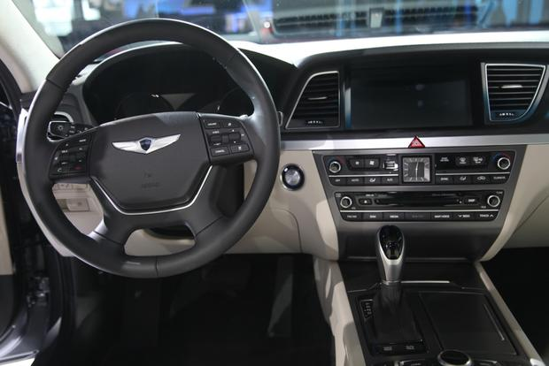 2015 Hyundai Genesis: Detroit Auto Show featured image large thumb4
