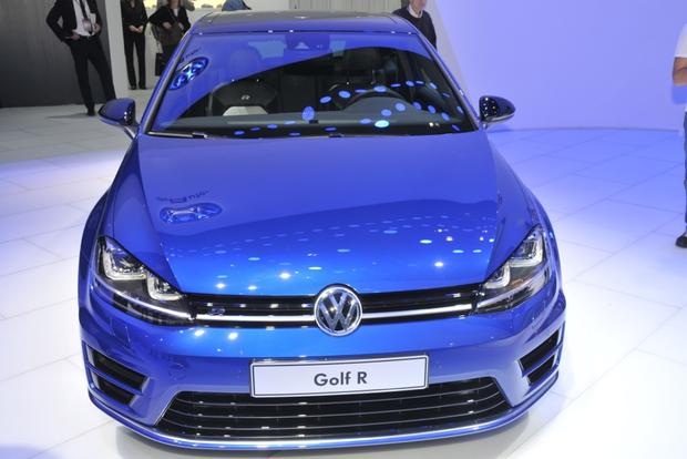 2015 Volkswagen Golf R: Detroit Auto Show featured image large thumb4