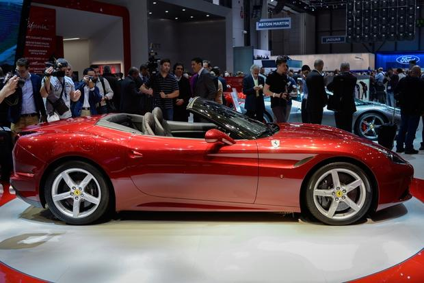 2015 Ferrari California T: Geneva Auto Show featured image large thumb2